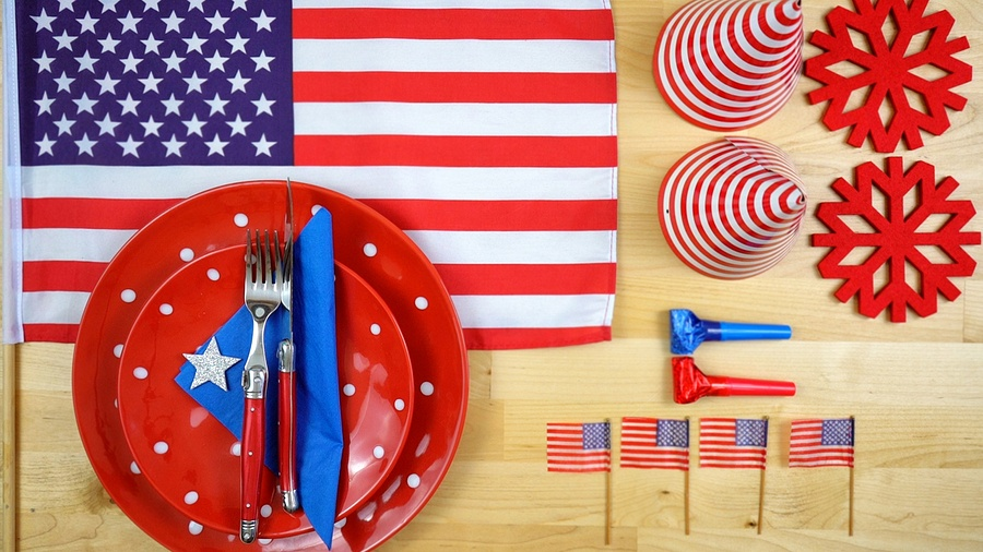 bigstock-American-Theme-Party-Table-Ove-201777784